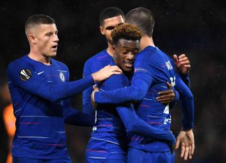 Alvaro Morata celebrates after scoring his team's fourth goal with his team mates during the UEFA Europa League Group L match between Chelsea and PAOK at Stamford Bridge on November 29, 2018 in London.