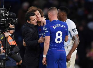 Marco Silva, Manager of Everton embraces David Luiz of Chelsea as he speaks to Yerry Mina of Everton and Ross Barkley of Chelsea after the Premier League match between Chelsea FC and Everton FC at Stamford Bridge on November 11, 2018 in London, United Kingdom.